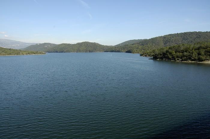 Vinylová Tapeta Lac de St Cassien des Bois - Přírodní krásy