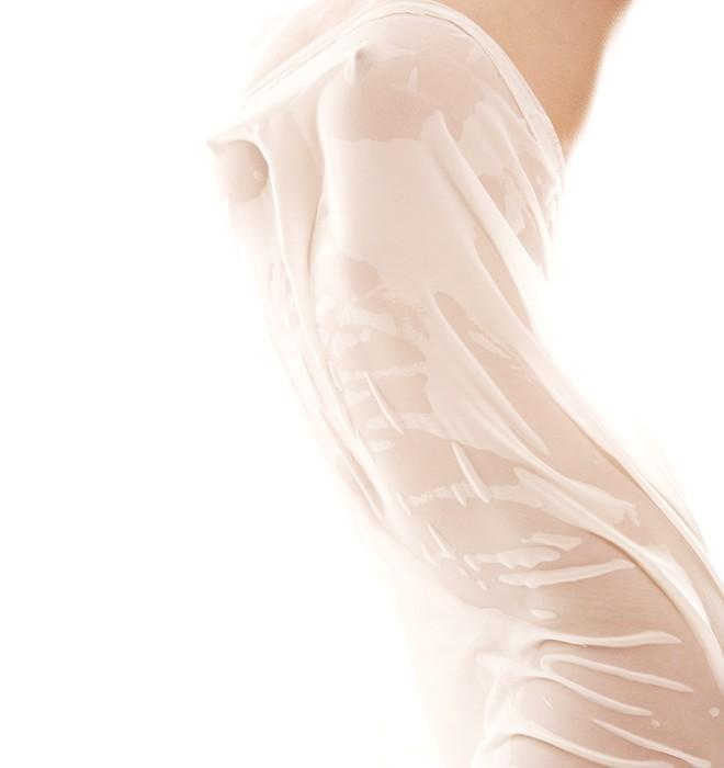 Vinylová Tapeta Fotografie nahé ženské tělo s tkaninou -